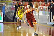 DESCRIZIONE : Roma Lega A 2011-2012 Acea Roma Fabi Shoes Montegranaro<br /> GIOCATORE : Luigi Datome<br /> CATEGORIA : contropiede palleggio<br /> SQUADRA : Acea Roma<br /> EVENTO : Campionato Lega A 2011-2012<br /> GARA : Acea Roma Fabi Shoes Montegranaro<br /> DATA : 08/02/2012<br /> SPORT : Pallacanestro<br /> AUTORE : Agenzia Ciamillo-Castoria/GiulioCiamillo<br /> GALLERIA : Lega Basket A 2011-2012<br /> FOTONOTIZIA : Roma Lega A 2011-2012 Acea Roma Fabi Shoes Montegranaro<br /> PREDEFINITA :