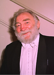 DR DAVID BELLAMY the environmentalist, at a dinner in London on 25th February 1998.MFR 19