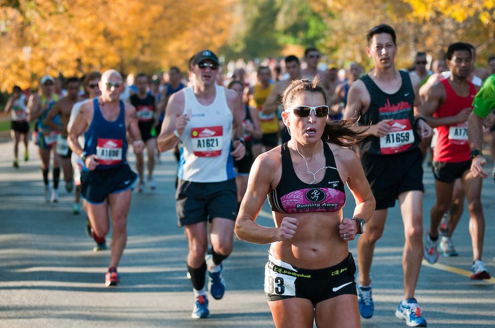 The 2011 Chicago Marathon passes through Lincoln Park
