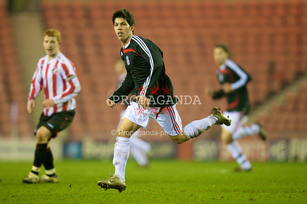 SUNDERLAND, ENGLAND - Wednesday, February 13, 2008: Liverpool's Daniel Pacheco in action against Sunderland during the FA Youth Cup 5th Round match at the Stadium of Light. (Photo by David Rawcliffe/Propaganda)