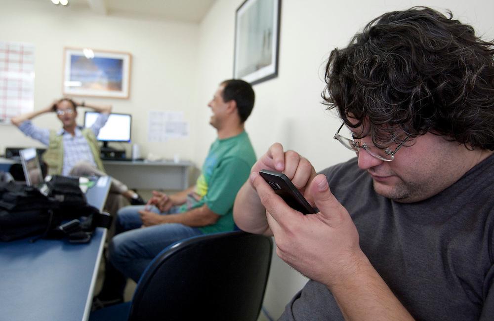 Contagem _MG, 25 de Setembro de 2010..Carreata em gesto de apoio da populacao de Contagem a reeleicao do Governador Antonio Anastasiada ..Foto: VICTOR SCHWANER / NITRO