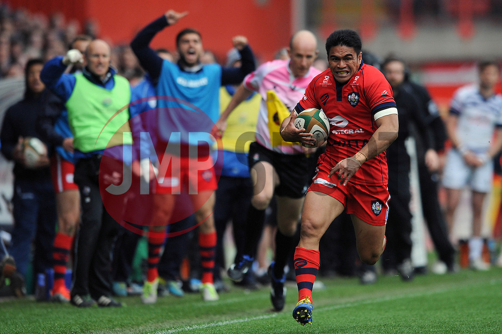 Bristol Winger David Lemi sprints forward before scoring a try - Photo mandatory by-line: Dougie Allward/JMP - Mobile: 07966 386802 - 02/05/2015 - SPORT - Rugby - Bristol - Ashton Gate - Bristol Rugby v Rotherham Titans - Greene King IPA Championship