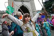 The Children's Parade which is the traditional beginning of the Brighton Festival.