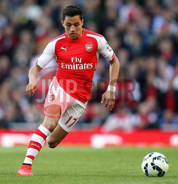 Arsenal's Alexis Sanchez - Photo mandatory by-line: Robbie Stephenson/JMP - Mobile: 07966 386802 - 20/05/2015 - SPORT - Football - London - Emirates Stadium - Arsenal v Sunderland - Barclays Premier League