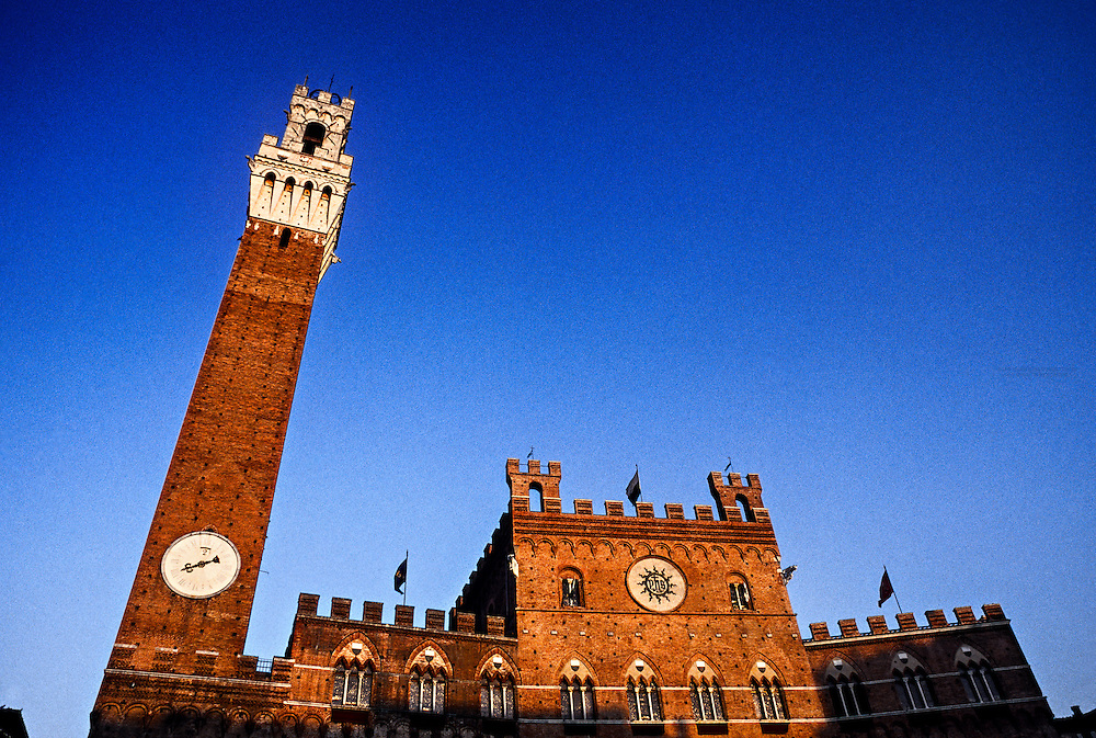 The City Tower (Torre del Mangia) and Palazzo Pubblico (City Hall), Il Campo, Siena, Tuscany, Italy