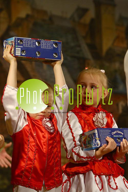 Mannheim 23.01.16 Feudenheim. Kulturhalle. KG Lallehaag Prunksitzung 2016.<br /> - Wichtelgarde<br /> <br /> Bild: Markus Prosswitz 23JAN16 / masterpress (Bild ist honorarpflichtig - No Model Release!)