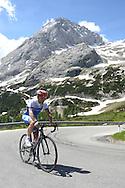 Il CT della Nazionale Italiana per professionisti di Ciclismo Davide Cassani, in allenamento sul passo Fedaia Marmolada, 21 giugno 2014 © foto Daniele Mosna