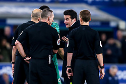 Everton manager Marco Silva argues with Referee Kevin Friend - Mandatory by-line: Robbie Stephenson/JMP - 10/12/2018 - FOOTBALL - Goodison Park - Liverpool, England - Everton v Watford - Premier League