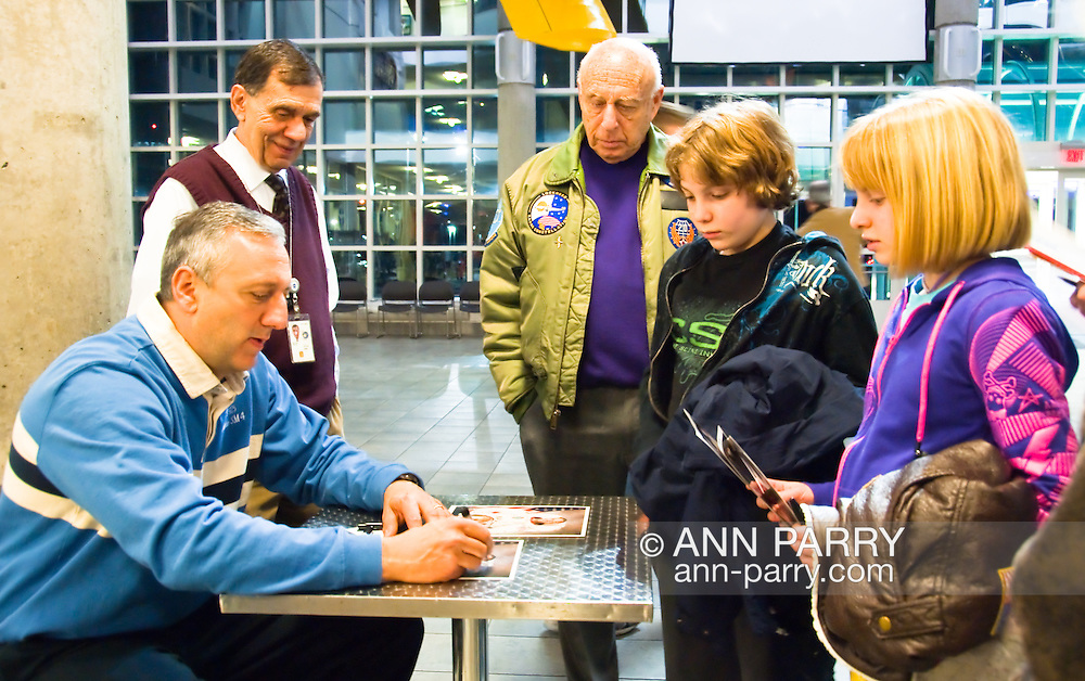 Astronaut Mike Massimino at Cradle of Aviation Museum for Legends in Air and Space Lecture series, 2010