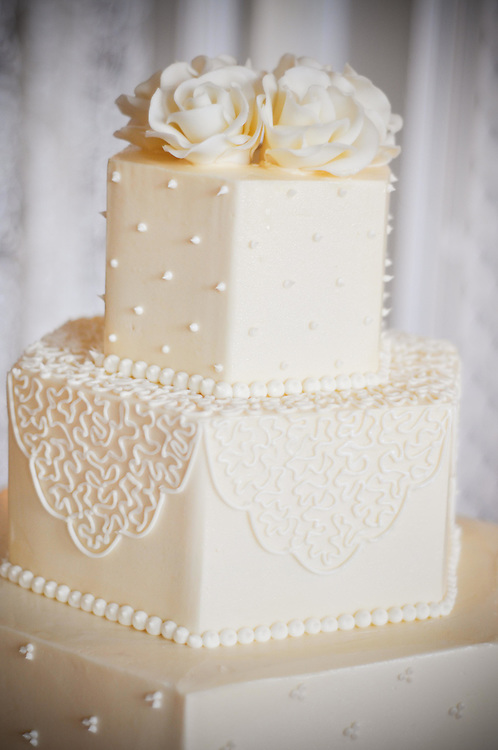 Kelly & Craig's wedding cake at The Armour House, Lake Forest Illinois