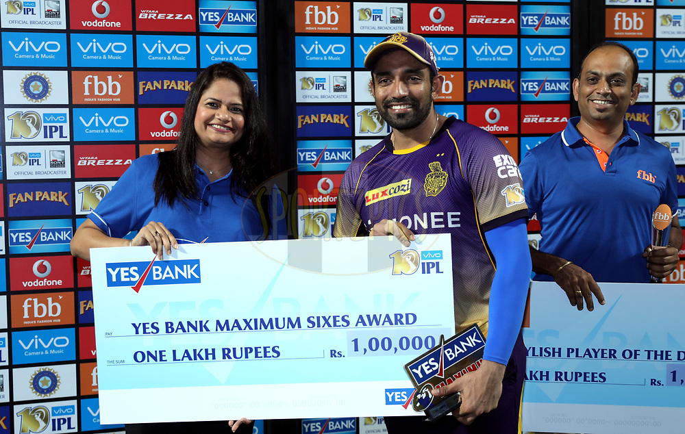 Robin Uthappa of the Kolkata Knight Riders player receives Yes Bank Maximum sixes award during the presentation of the match 30 of the Vivo 2017 Indian Premier League between the Rising Pune Supergiants and the Kolkata Knight Riders  held at the MCA Pune International Cricket Stadium in Pune, India on the 26th April 2017<br /> <br /> Photo by Sandeep Shetty - Sportzpics - IPL