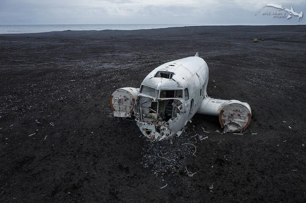 United States Navy DC-3 plane wreck near Solheimasandur (Sólheimasandur), Iceland. DJI Phantom 2 quadcopter w/Ricoh GR camera. Post on Skypixel: http://skypixel.org/post/85777422224