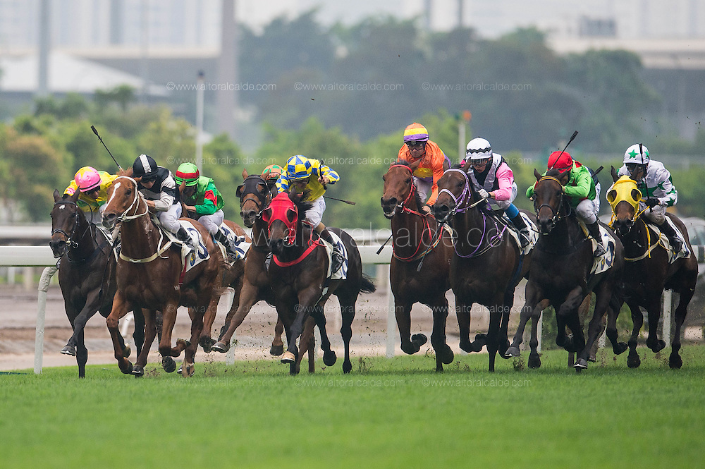 HONG KONG - MAY 04:  Riders compete during the Jordan Handicap at Sha Tin racecourse on May 4, 2014 in Hong Kong, Hong Kong.  (Photo by Aitor Alcalde/Getty Images)