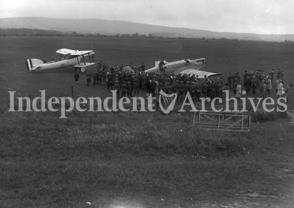 Europa, plane with crowds in the field 12 April 1928.<br /> (Part of the Independent Newspapers Ireland/NLI Collection)