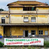 Cittadini occupano  ex deposito Cotral
