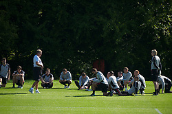 CARDIFF, WALES - Tuesday, August 31, 2010: Wales' manager John Toshack MBE and his squad during training at the Vale of Glamorgan ahead of the UEFA Euro 2012 Qualifying Group 4 match against Montenegro. (Pic by David Rawcliffe/Propaganda)