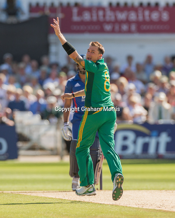Dale Steyn appeals as Ravi Bopara is out during the fifth and final NatWest Series one day international between England and South Africa at Trent Bridge, Nottingham. Photo: Graham Morris (Tel: +44(0)20 8969 4192 Email: sales@cricketpix.com) 05/09/12