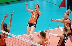 03-10-2015 NED: Volleyball European Championship Semi Final Nederland - Turkije, Rotterdam<br /> Nederland verslaat Turkije in de halve finale met ruime cijfers 3-0 / Team Nederland plaatst zich voor de finale met Laura Dijkema #14, Anne Buijs #11, Lonneke Sloetjes #10, Maret Balkestein-Grothues #6