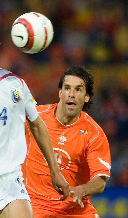 Ruud van Nistelrooy.&amp;#xA;Hollanti-Romania, MM-karsinta, Rotterdam 4.6.2005.&amp;#xA;Photo: Jussi Eskola<br />