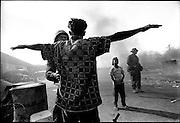 TIMOR ORIENTAL (09/1999) / DILI<br /> EvŽnements consŽquents au rŽfŽrendum sur l'indŽpendance du TIMOR ORIENTAL<br /> Australian troops randomly search for weapons at Dili Port-  East Timor September 1999<br /> <br /> &copy; David Dare Parker/AsiaWorks Photography