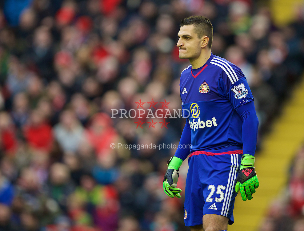 LIVERPOOL, ENGLAND - Saturday, February 6, 2016: Sunderland's goalkeeper Vito Mannone in action against Liverpool during the Premier League match at Anfield. (Pic by David Rawcliffe/Propaganda)