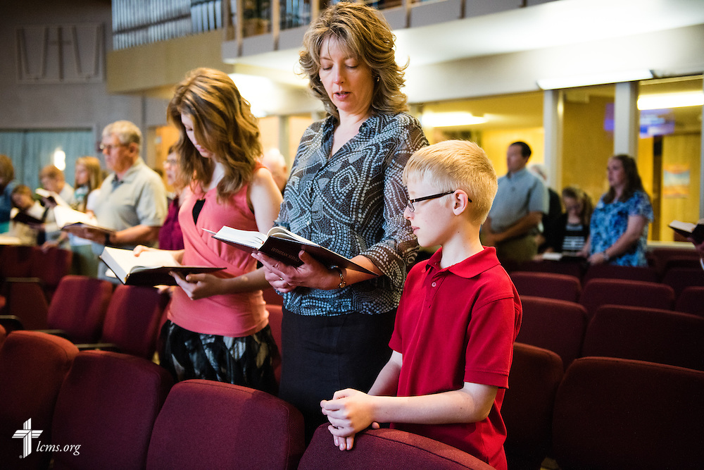 A family worships Sunday, April 12, 2015, at Mount Calvary Lutheran Church in Holdrege, Neb. LCMS Communications/Erik M. Lunsford