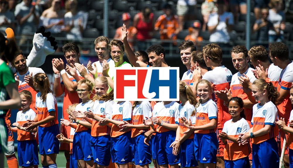 BREDA - line up Nederland.   tijdens de wedstrijd om brons tussen Nederland en Argentinie (2-0) bij de Hockey Champions Trophy.  Glenn Schuurman (Ned) speelt 100e interland. COPYRIGHT KOEN SUYK