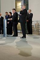 27 FEB 2002, BERLIN/GERMANY:<br /> Gerhard Schroeder (Mi-L), SPD, Bundeskanzler, und Joschka Fischer (Mi-R), B90/Gruene, Bundesaussenminister, waehrend Schroeders Rede, Empfang des Bundeskanzlers fuer das diplomatische Corps, links: Otto Schily, SPD, Bundesinnenminister, Bundeskanzleramt<br /> IMAGE: 20020227-02-019<br /> KEYWORDS: Gerhard Schroeder