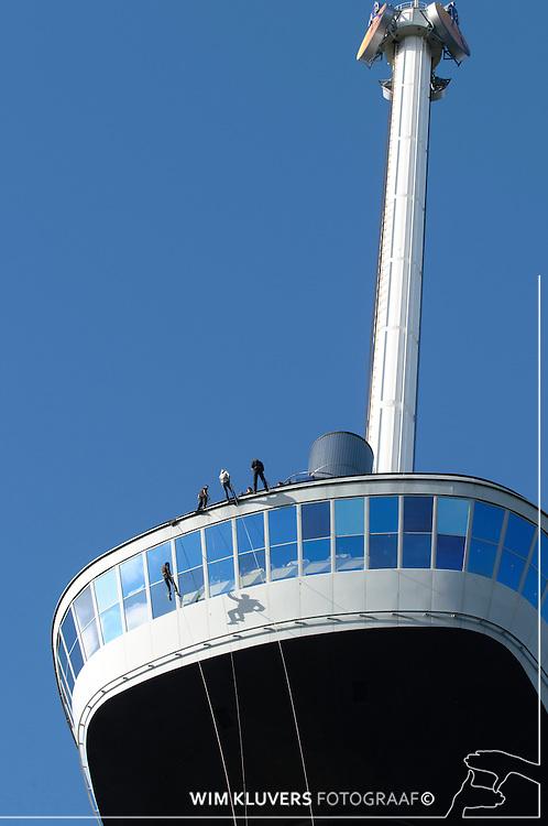 WK20100912-094.NEF.Rotterdam ,Euromast ,abzeilen,Aaafke,robert,Nieke,Thomas