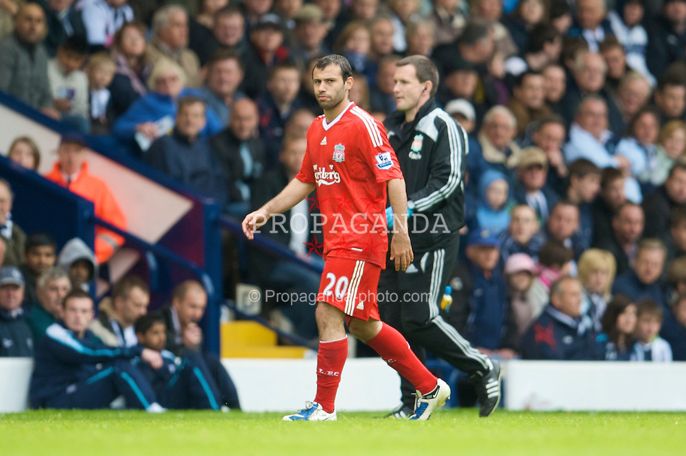 WEST BROMWICH, ENGLAND - Sunday, May 17, 2009: Liverpool's injured Javier Mascherano walks off during the Premiership match at the Hawthorns. (Photo by David Rawcliffe/Propaganda)