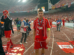 Athens, Greece - Wednesday, May 23, 2007: Liverpool's Steven Gerrard looks dejected after losing 2-1 to AC Milan during the UEFA Champions League Final at the OACA Spyro Louis Olympic Stadium.  (Pic by Jason Roberts/Propaganda)