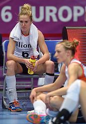 04-01-2016 TUR: European Olympic Qualification Tournament Nederland - Duitsland, Ankara <br /> De Nederlandse volleybalvrouwen hebben de eerste wedstrijd van het olympisch kwalificatietoernooi in Ankara niet kunnen winnen. Duitsland was met 3-2 te sterk (28-26, 22-25, 22-25, 25-20, 11-15) / Maret Balkestein-Grothues #6, Judith Pietersen #8