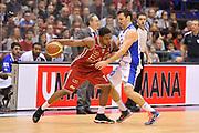 DESCRIZIONE : Campionato 2014/15 Olimpia EA7 Emporio Armani Milano - Acqua Vitasnella Cantu'<br /> GIOCATORE : Joe Ragland<br /> CATEGORIA : Palleggio Fallo<br /> SQUADRA : Olimpia EA7 Emporio Armani Milano<br /> EVENTO : LegaBasket Serie A Beko 2014/2015<br /> GARA : Olimpia EA7 Emporio Armani Milano - Acqua Vitasnella Cantu'<br /> DATA : 16/11/2014<br /> SPORT : Pallacanestro <br /> AUTORE : Agenzia Ciamillo-Castoria / Luigi Canu<br /> Galleria : LegaBasket Serie A Beko 2014/2015<br /> Fotonotizia : Campionato 2014/15 Olimpia EA7 Emporio Armani Milano - Acqua Vitasnella Cantu'<br /> Predefinita :