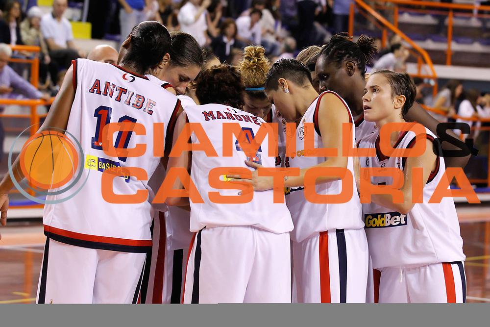 DESCRIZIONE : Pescara Lega A1 Femminile 2012-13 Opening Day 2012 <br /> Goldbet Taranto Club Atletico Romagna Faenza<br /> GIOCATORE : la squadra team<br /> SQUADRA : Goldbet Taranto<br /> EVENTO : Campionato Lega A1 Femminile 2012-2013 <br /> GARA : Goldbet Taranto Club Atletico Romagna Faenza<br /> DATA : 14/10/2012<br /> CATEGORIA : <br /> SPORT : Pallacanestro <br /> AUTORE : Agenzia Ciamillo-Castoria/ElioCastoria<br /> Galleria : Lega Basket Femminile 2012-2013 <br /> Fotonotizia : Pescara Lega A1 Femminile 2012-13 Opening Day 2012 Goldbet Taranto Club Atletico Romagna Faenza<br /> Predefinita :