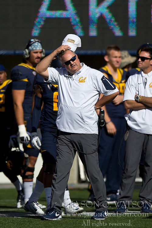 BERKELEY, CA - OCTOBER 03:  Head coach Sonny Dykes of the California Golden Bears stands on the sidelines during the third quarter against the Washington State Cougars at California Memorial Stadium on October 3, 2015 in Berkeley, California. The California Golden Bears defeated the Washington State Cougars 34-28. (Photo by Jason O. Watson/Getty Images) *** Local Caption *** Sonny Dykes