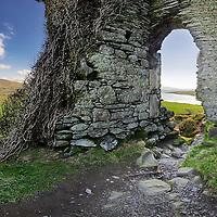 Ballycarbery Castle southwest ireland / ch043_2