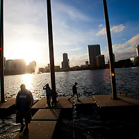 ORLANDO, FL -- Children play along Lake Eola in downtown Orlando, Fla., on Friday, January 27, 2012. As the Florida Primary approaches, the voters along the I-4 corridor are becoming an increasingly more important path to securing a win.  (Chip Litherland for The New York Times)