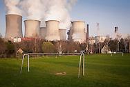 DEU, Germany, North Rhine-Westphalia, the brown coal power station Niederaussem near Bergheim, the district Auenheim. - <br /> <br /> DEU, Deutschland, Nordrhein-Westfalen, das Braunkohlekraftwerk Niederaussem bei Bergheim, Stadtteil Auenheim.
