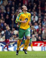 Photo. Chris Ratcliffe, Digitalsport<br /> Crystal Palace v Norwich City. Barclays Premiership. 16/04/2005<br /> Dean Ashton celebrates putting Norwich level at 1-1.