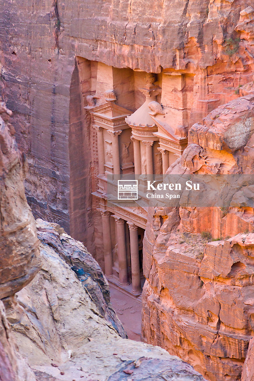 Facade of Treasury (Al Khazneh), Petra, Jordan (UNESCO World Heritage site)
