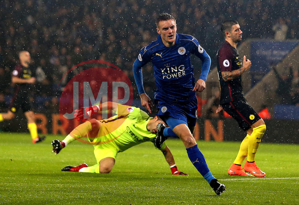 Jamie Vardy of Leicester City celebrates scoring a goal to make it 1-0 - Mandatory by-line: Robbie Stephenson/JMP - 10/12/2016 - FOOTBALL - King Power Stadium - Leicester, England - Leicester City v Manchester City - Premier League