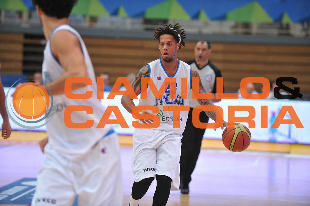 DESCRIZIONE : Trento Primo Trentino Basket Cup Italia Bosnia Erzegovi<br /> GIOCATORE : daniel hackett<br /> CATEGORIA : palleggio<br /> SQUADRA : Nazionale Italia Maschile<br /> EVENTO :  Trento Primo Trentino Basket Cup<br /> GARA : Italia Bosnia Erzegovi<br /> DATA : 26/07/2012<br /> SPORT : Pallacanestro<br /> AUTORE : Agenzia Ciamillo-Castoria/M.Gregolin<br /> Galleria : FIP Nazionali 2012<br /> Fotonotizia : Trento Primo Trentino Basket Cup Italia Bosnia Erzegovi<br /> Predefinita :