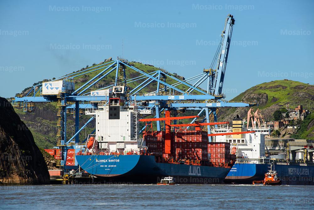 Brasil - Espirito Santo - Vila Velha -  Navios atracados no Terminal Portuario de Vila Velha, TVV - Foto: Gabriel Lordello/ Mosaico Imagem