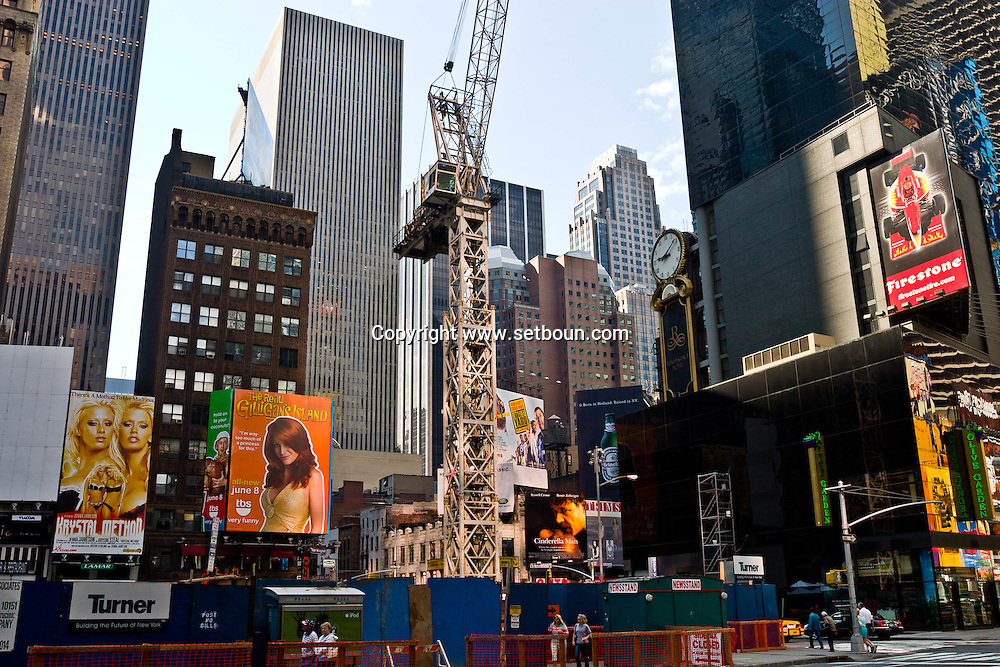 New York. Times square. works in Times square and 42nd street . renissance of Times square area  New York - United States  / renovation et travaux a Times square et la 42 em rue  New York - Etats Unis