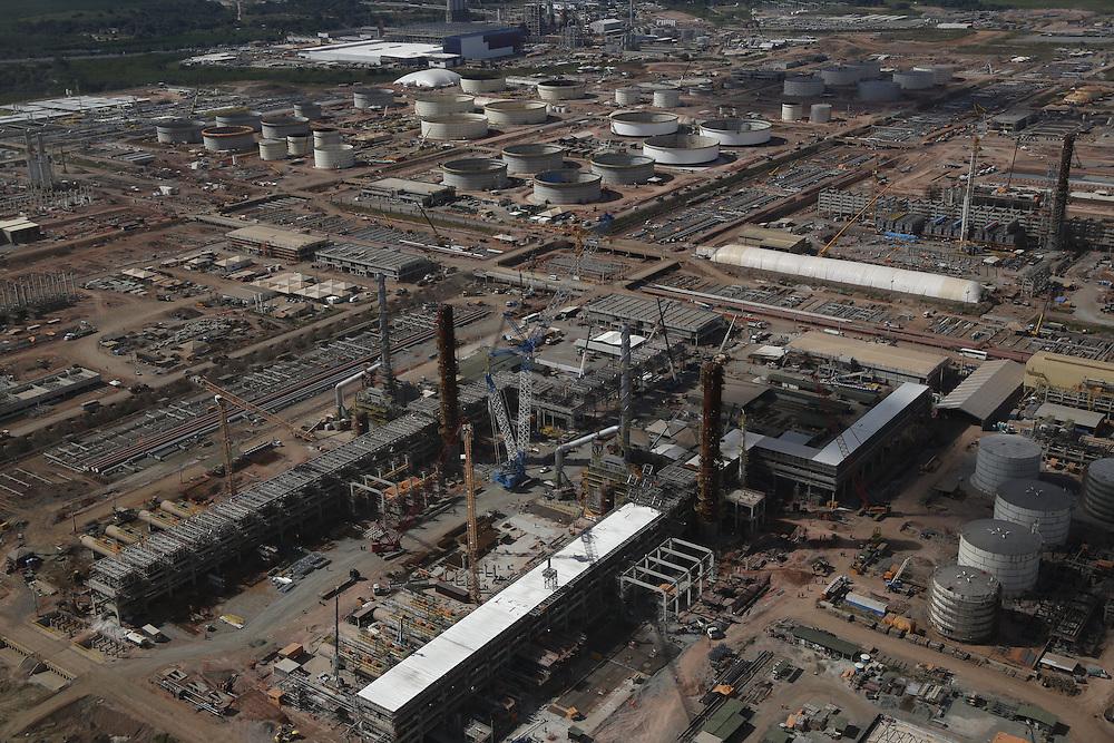 Ipojuca_PE, Brasil.<br /> <br /> Imagem aerea da Refinaria do Nordeste (Rnest) ou Refinaria Abreu e Lima, esta sendo construida em Ipojuca, Pernambuco.<br /> <br /> Aerial image of the Northeast Refinery (Rnest) or Abreu e Lima Refinery, is being built in Ipojuca, Pernambuco.<br /> <br /> Foto: LEO DRUMOND / NITRO