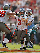 CAPTION: (Tampa: 10/22/06) (photo 1) Matt Bryant (3) celebrates his game winning 62-yard field goal with Josh Bidwell (9) and Anthony Becht (88) during the Tampa Bay Buccaneers vs. Philadelphia Eagles Sunday (10/22/06) at Raymond James Stadium in Tampa..BRENDAN FITTERER | Times.SUMMARY: Tampa Bay Buccaneers vs. Philadelphia Eagles Sunday (10/22/06) at Raymond James Stadium in Tampa