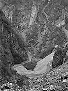 Serpentinväg mellan Bergen och Hardangervidd i Norge