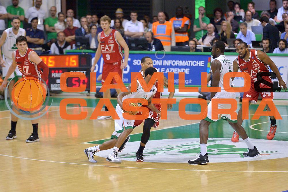 DESCRIZIONE : Milano Lega A 2013-14 Montepaschi Siena  vs EA7 Emporio Armani Milano playoff Finale gara 6<br /> GIOCATORE : Haynes Marquez<br /> CATEGORIA : Palleggio<br /> SQUADRA : Montepaschi Siena<br /> EVENTO : Finale gara 6 playoff<br /> GARA : Montepaschi Siena  vs EA7 Emporio Armani Milano playoff Finale gara 6<br /> DATA : 25/06/2014<br /> SPORT : Pallacanestro <br /> AUTORE : Agenzia Ciamillo-Castoria/I.Mancini<br /> Galleria : Lega Basket A 2013-2014  <br /> Fotonotizia : Milano<br /> Lega A 2013-14 Montepaschi Siena  vs EA7 Emporio Armani Milano playoff Finale gara 6 <br /> Predefinita :