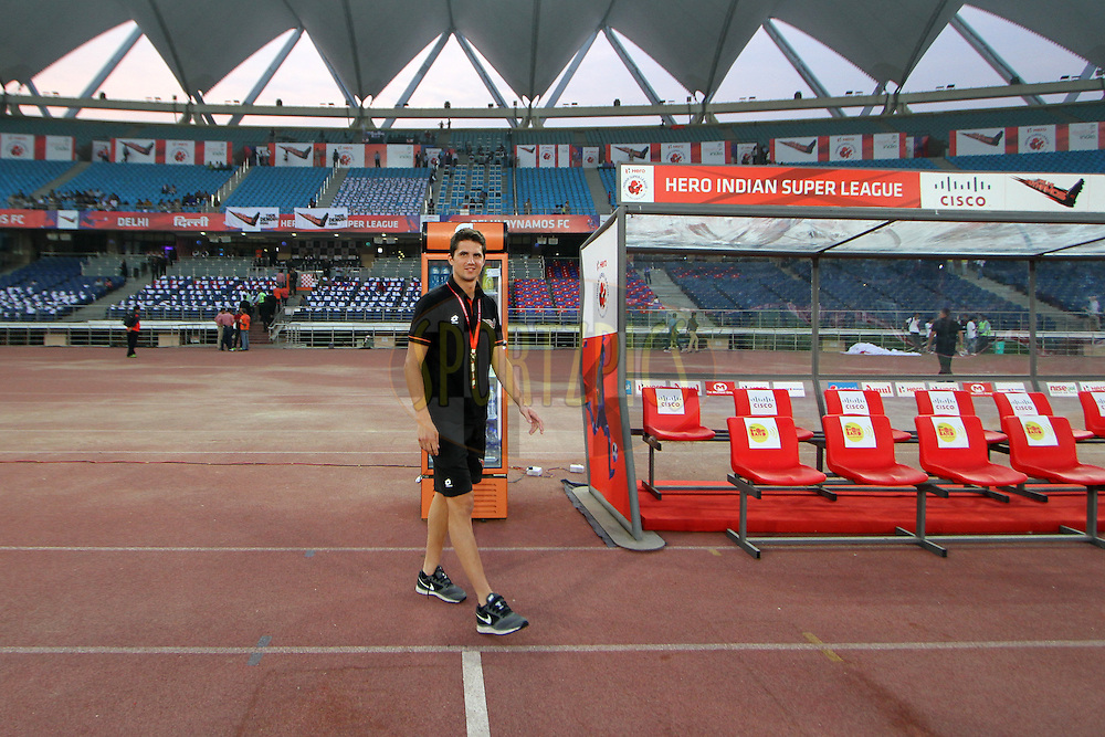 Delhi Dynamos FC Players before the match 16 of the Hero Indian Super League between The Delhi Dynamos FC and NorthEast United FC held at the Jawaharlal Nehru Stadium, Delhi, India on the 29th October 2014.<br /> <br /> Photo by:  Deepak Malik/ ISL/ SPORTZPICS