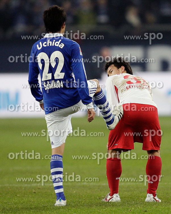 21.01.2012, Veltins-Arena, Nürnberg, GER, 1. FBL, FC Schalke 04 vs VfB Stuttgart, 18. Spieltag, im Bild Spass von Atsuto Uchida (FC Schalke 04, li.) an Shinji Okazaki (VfB Stuttgart), EXPA Pictures © 2012, PhotoCredit: EXPA/ Eibner-Pressefoto / Vogler ***** ATTENTION OUT OF GERMANY *****